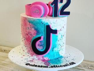 tik tok cakes