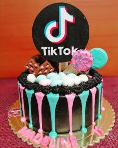 Torta para celebracion de Tik Tok